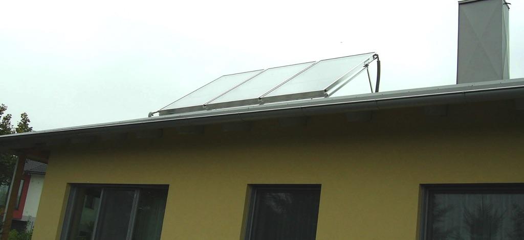 Solaranlage Schüco 3 Kollektoren mit einer Fläche von 7,5m² 20°in Richtung Süden aufgeständert! [Familie Hör, Großweikersdorf]