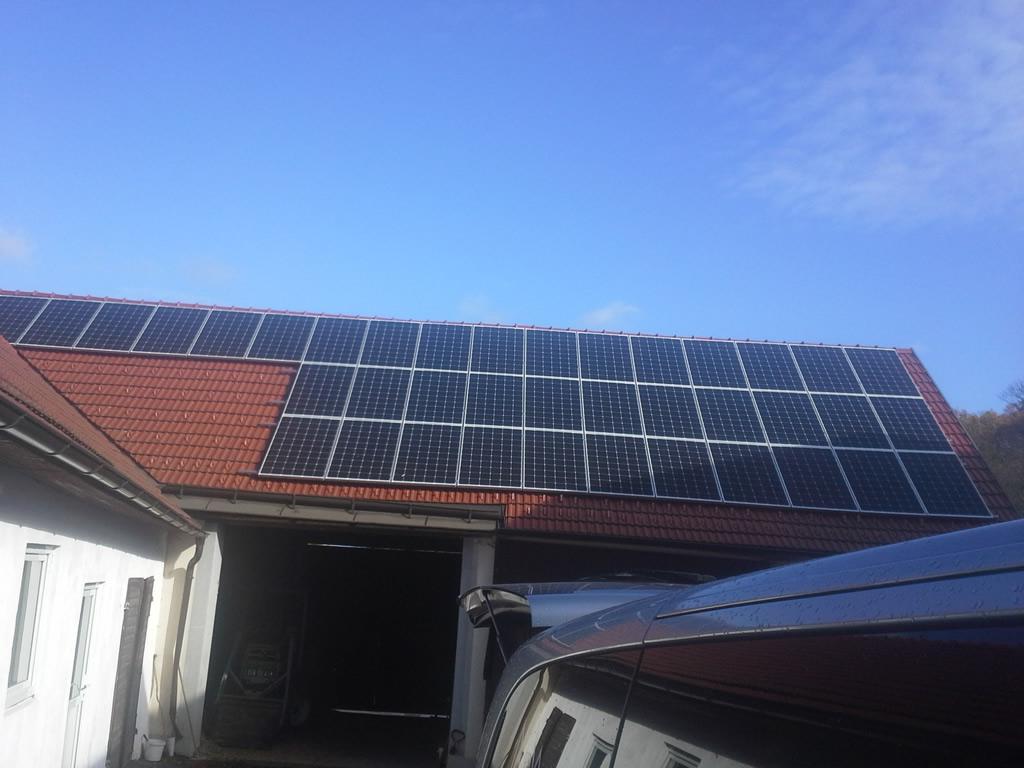 Photovoltaikanlage Kioto SEG Power SPV mit je 260 Watt polykristallin 76 Stück mit  einer Fläche von 114m² und einer Leistung von 30kWp. Wechselrichter Fronius Symo 20.0-3-M (Gasthaus Berger, Zemling)