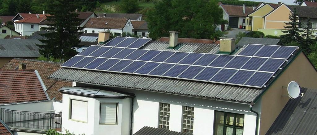 Weingut Hofbauer-Schmidt setzt auf Sonnenstrom! Photovoltaikanlage mit 8,5 kWp Leistung, 34 Stk. Module mit 250 Watt, 51 m2 Fläche! Fabr. Schüco König Solar! [Weingut Hofbauer-Schmid, Hohenwarth]
