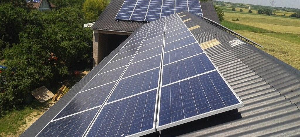 Photovoltaikanlage Schüco mit 360m² Fläche Leistung 60kWp Volleinspeiser! Ausrichtung Süden SMA Tripower Wechselrichter [Lohnunternehmen Gnauer, Ebersbrunn]