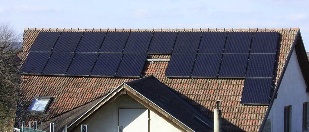 Photovoltayikanlage mit 20 Hochleistungsmodulen monokristalin je 255 kWp,Gesamtleistung 5,1 kWp 34m2 Fläche. [Familie Wunderer, Ebersbrunn]
