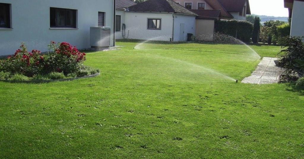 Vollautomatische Bewässerungsanlage mit Regensensor, Versorgung vom Brunnen mit Unterwasserpumpe! [Natürlich Lehner, Ebersbrunn]
